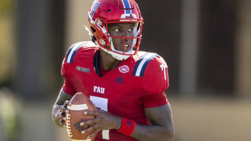 FAU quarterback N'Kosi Perry (7) during an NCAA football game on Saturday, Sept 11, 2021 in...